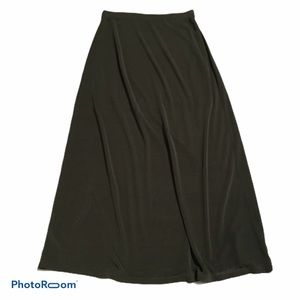 Halogen olive green/army green maxi skirt. Small